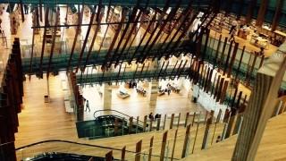 雑誌500タイトルに美術館&カフェも!富山市の図書館がすごい
