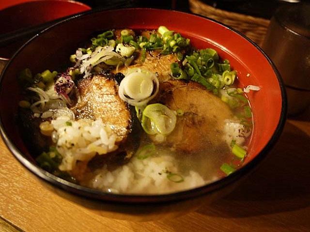 【品川】〆はスープ割りで!チャーシュー丼が美味しい「丼ぶり屋 幸丼」