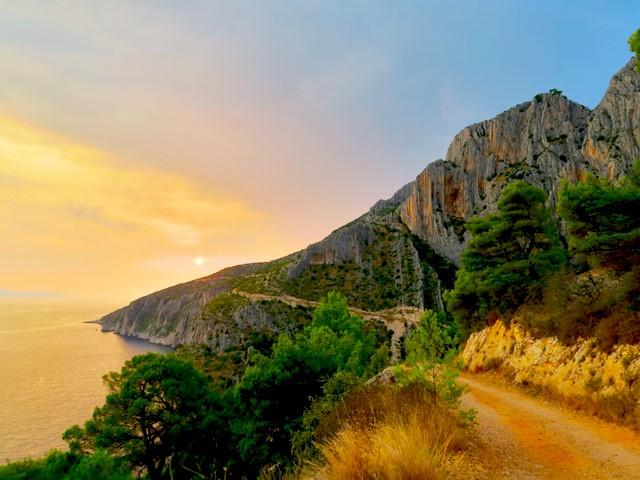 【タイムスリップ気分】アドリア海に浮かぶ小さな島「フヴァール島」@クロアチア