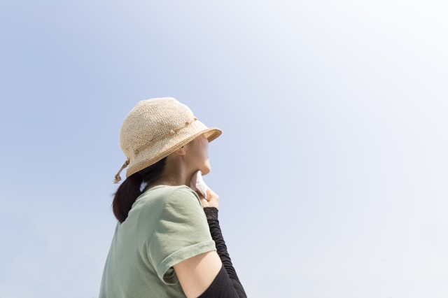 トラブルに遭うことも!海外で不思議がられる日本人観光客の服装・恰好