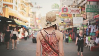 「自撮り」がプロ顔負けに進化!タイの最新トレンドランキング