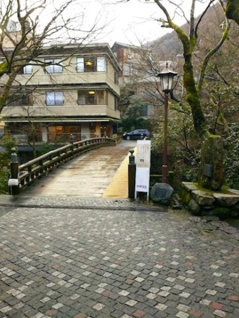 山間の温泉地、山中温泉で触れる文化と情緒ある町並み