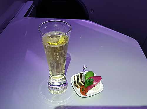 NZのスターシェフが監修!「成田~オークランド」ビジネスクラスの機内食