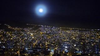見上げる夜景に感動!世界最高所にあるボリビアの首都ラパス