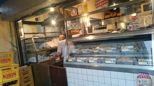 行列必至の人気店!名物店員さんも楽しい、鶏料理専門店「鳥房」