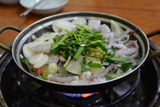 韓国釜山発、旨みたっぷりピリ辛タコ鍋