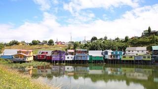 【チリ】チロエ島名物!お魚模様のカラフルでかわいいお家たち