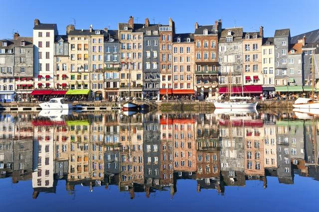 フランスの絵になる港町 オンフルール