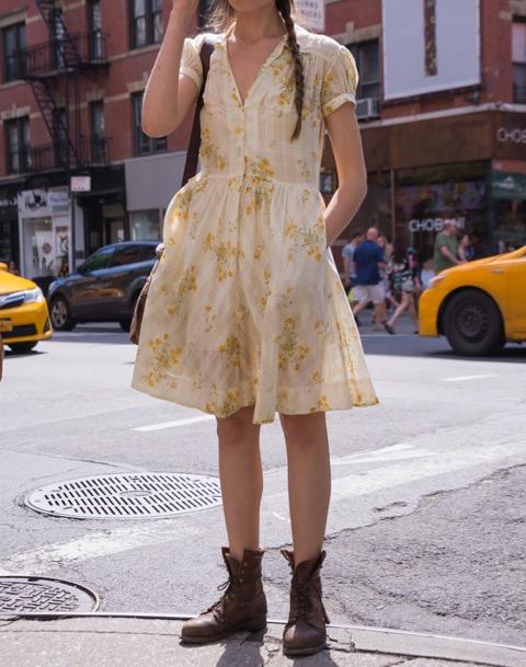 ニューヨーカーに学ぶ!春を感じる花柄の着こなし方