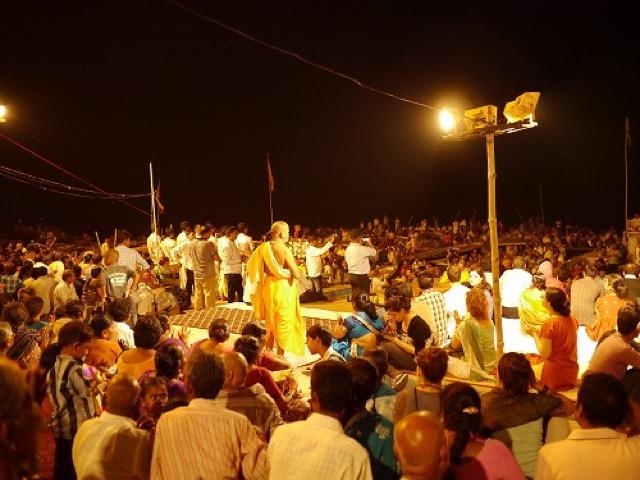 【インド】人!人!たまに牛!プージャの聖なる儀式は思っていたよりも・・・