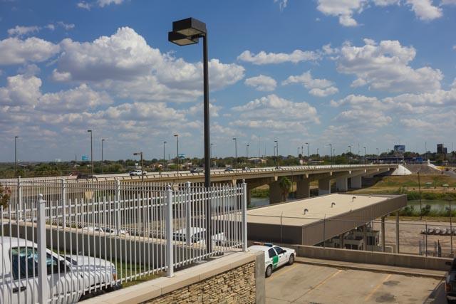アメリカとメキシコの国境の町 テキサス州ラレドとは
