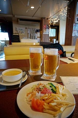 ディナーとライブを楽しみながら!沖縄でサンセットクルージング