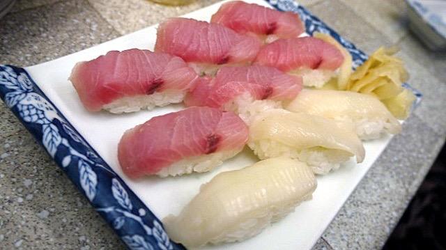 【代々木】1貫10円!今話題の「名前のないお寿司屋さん」