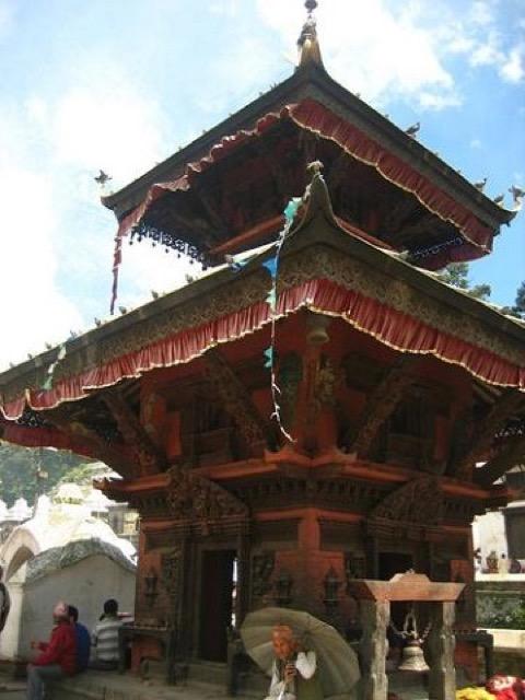 生と死が隣り合う場所。ネパールの火葬場「パシュパティナート」