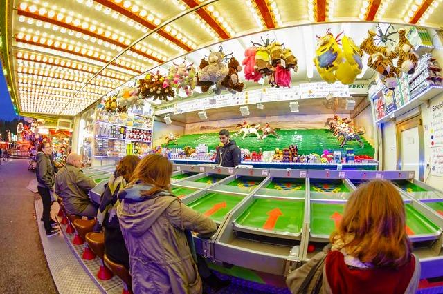 移動遊園地の魔法!ドイツの国民的お祭り「ハンブルガー・ドーム」