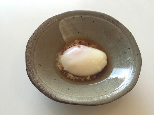 【簡単レシピ】旅館の朝食で食べるような、とろける温泉卵の ...