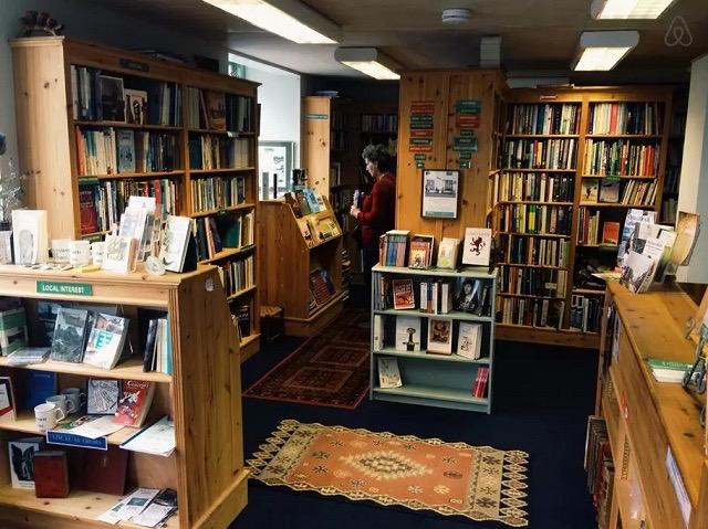 夢を一足はやく実現できる?イギリスのAirbnbで本屋オーナー体験