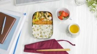 目からうろこの大胆技でお弁当作りが簡単に!春からはこれで朝寝坊できる?!