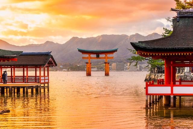 3位が姫路城で2位が厳島神社!行ってよかった日本の世界遺産1位は?