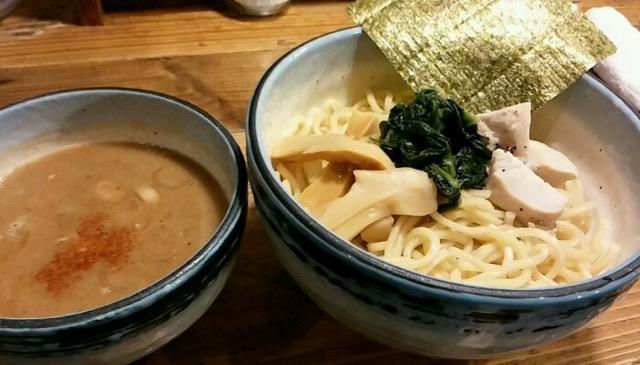 女性好みのまろやかスープが体にしみる。「麺や わたる」のつけ麺