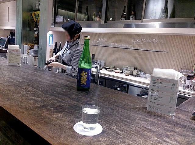 手に入りにくい日本酒が定価で!ちょい呑みもできるお気に入りの酒屋さん
