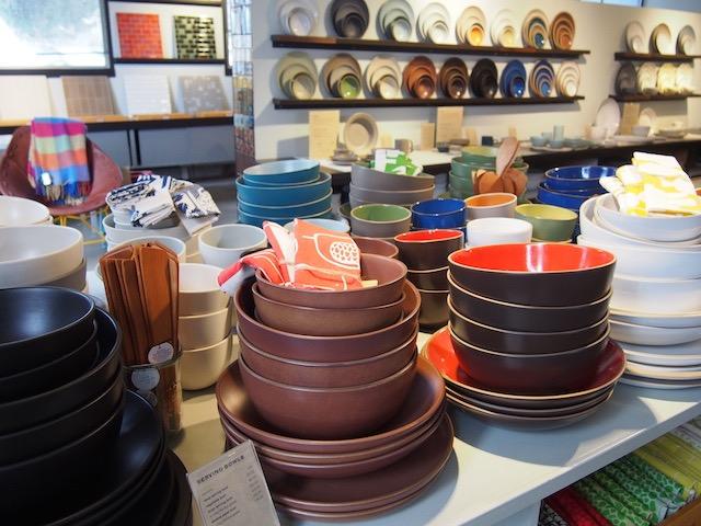 価格は日本の4分の1になることも!?有名陶器ブランド、ヒースセラミックスをお得に購入できるファクトリーストア