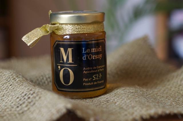 パリの名所で作られる蜂蜜とは?