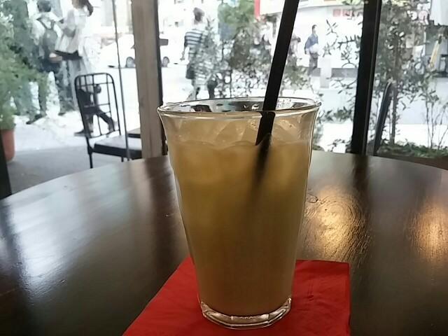 果物屋さんの贅沢フレッシュジュース。高円寺のほっこりカフェ「果樹源」