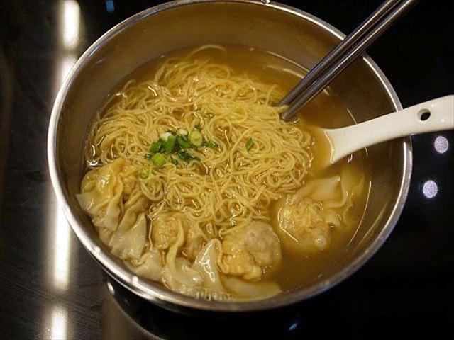 【マカオ】中華からカフェメニューまで。メニュー豊富な「回味盒子」