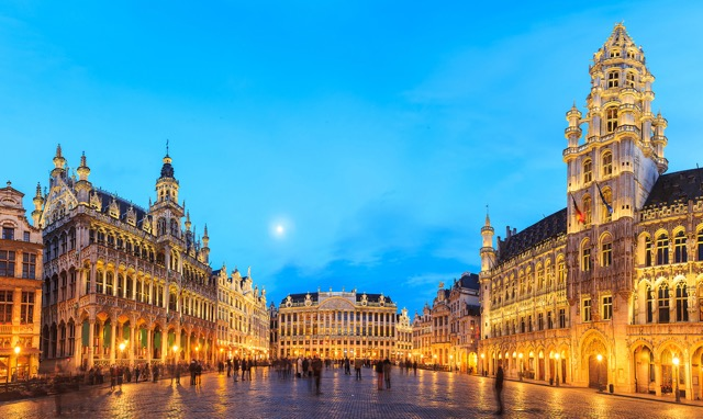 「世界一豪華な広場」ベルギーの世界遺産・グランプラスが美しすぎる