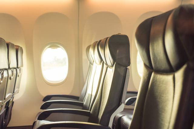 旅行者も知っておきたい・・・エコノミークラス症候群の原因と症状、予防法