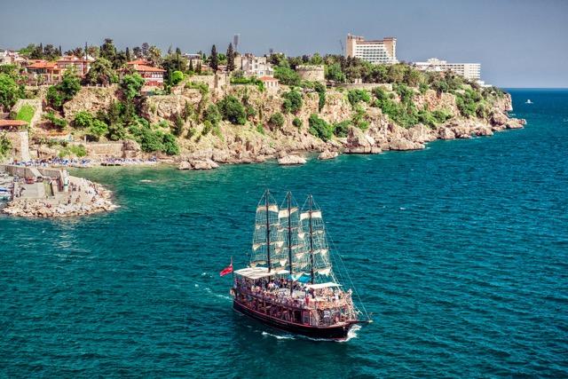 青い海も街歩きも楽しめる地中海リゾート、トルコのアンタルヤが素敵!