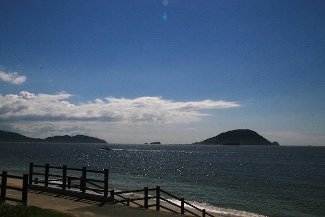 玄界灘に浮かぶ小さな宝石 志賀島 魅惑の夕日と島グルメ