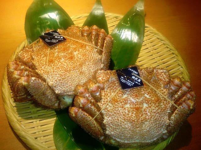まるで宝石の輝き!丼の限界までイクラが盛られた「つっこ飯」とは?