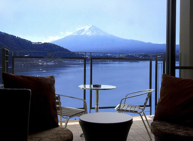 週末に気軽に訪れたい、富士山を望む絶景の温泉宿3選