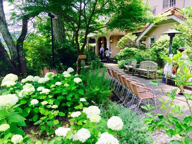 鎌倉に行ったら絶対ココ!お寺の中にできた斬新すぎるカフェレストラン
