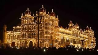 【インド】夜空に輝くライトアップが圧巻!マイソールパレス