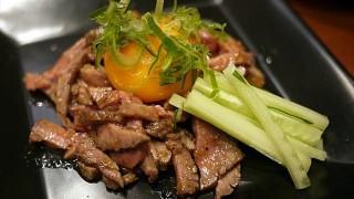 高級なイメージの牛肉を庶民価格で。川口の「牛酒場末吉や」