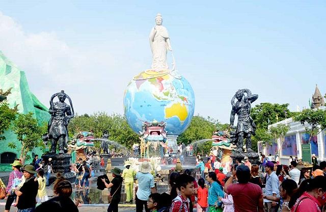「狂ったディズニーランド」の異名を取るベトナムの「スイティエンパーク」