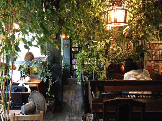 「またたび」ソロ活連載【1】おしゃべり禁止のカフェに行ってみた