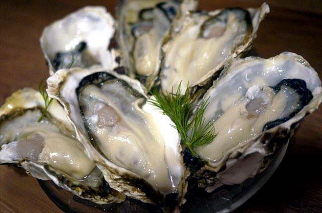 1年中新鮮な厚岸産の牡蠣が食べられる!新橋「BISTROあっけし」