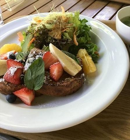 都心とは思えない贅沢な自然。「野菜倶楽部」で素敵な朝食を