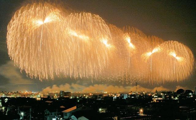 日本三大花火の1つ!長岡まつり大花火大会は涙が出るほどすごい
