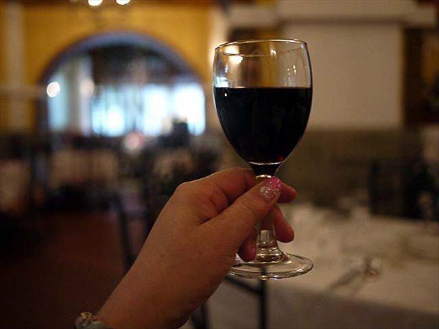 赤ワインと、42種類のスパイスを使用した本場のポルトガル料理のお店