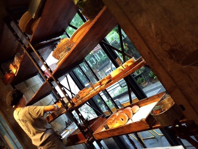 デキるオンナの極上パンモーニング。九段の行列店「FACTORY」