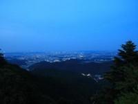 東京の夜景を見ながら、大自然の中でビール。高尾山ビアマウントで夏を満喫