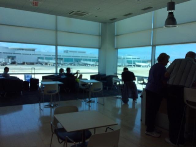 サンディエゴ空港。出発までの優雅な時間をJALラウンジで