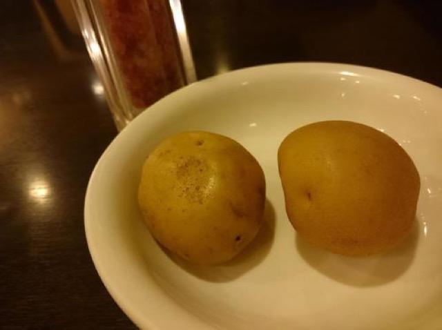 【三田】チーズとトマトの酸味と甘みがマッチ。欧風カレー「ボンナペティ」