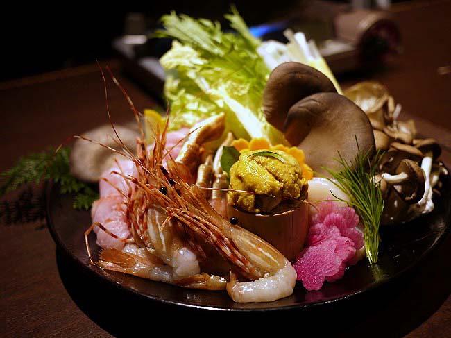 3時間飲み放題付きで5000円なのに・・・雲丹料理満載って凄すぎる!