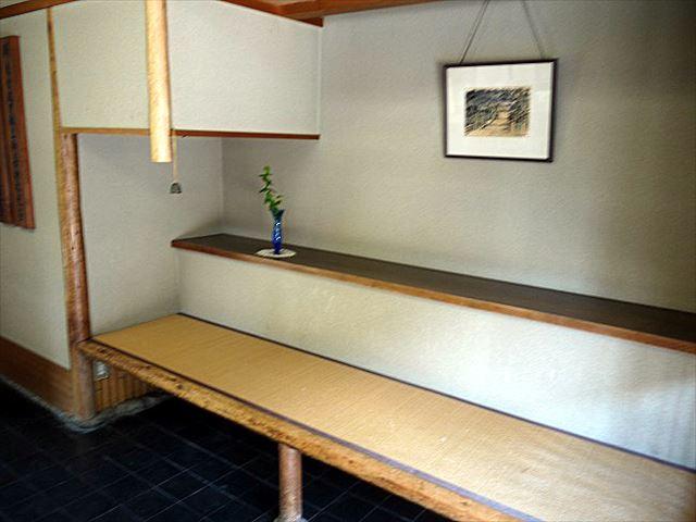 大神神社の名物最中みむろをイートイン。食べログでも人気の「白玉屋榮壽」